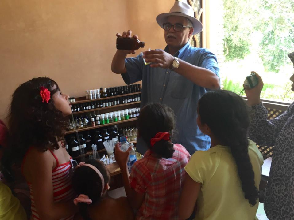 Essaouira : Les petits-apprentis parfumeurs
