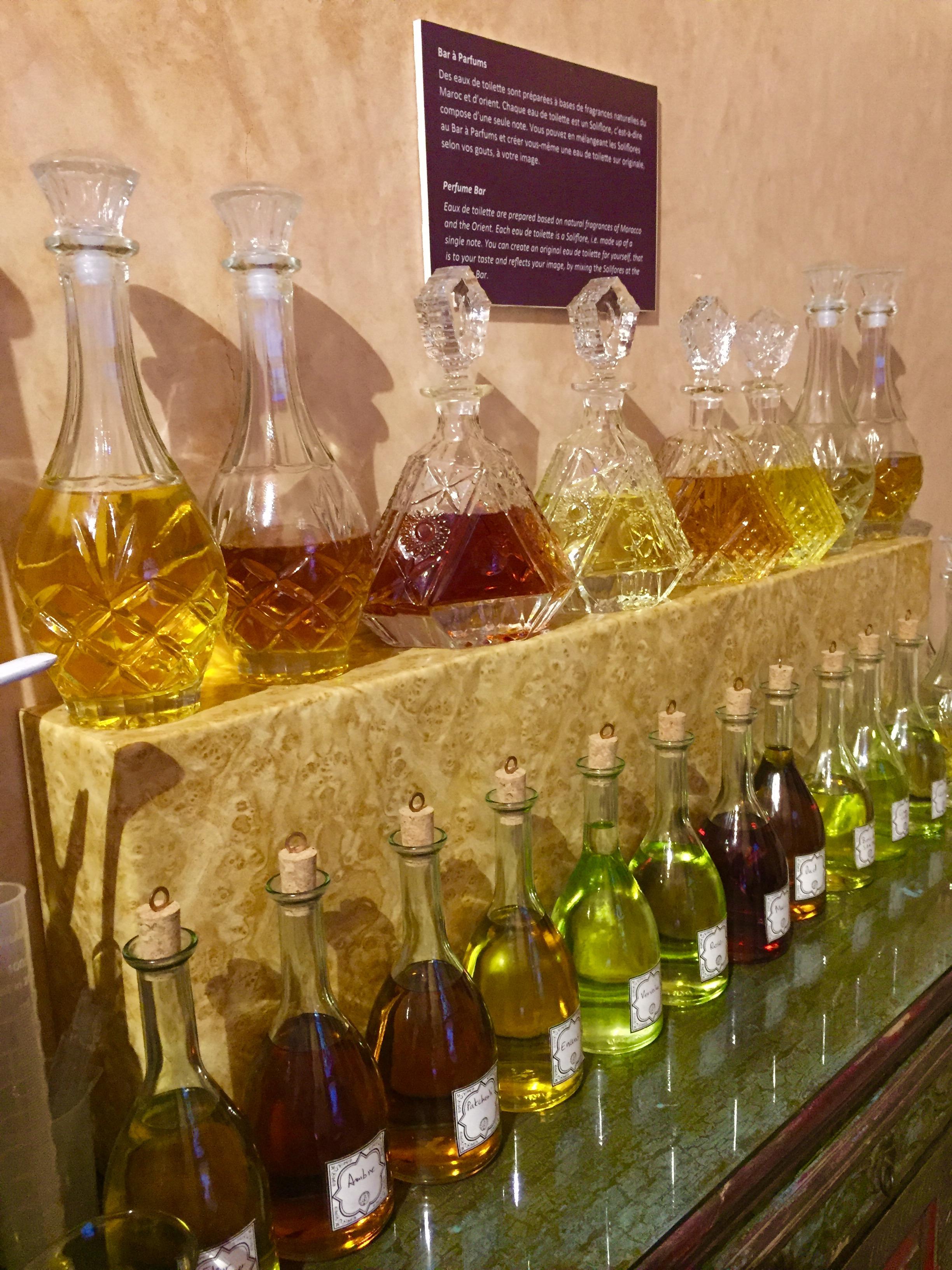 Bar à Parfum où chacun peut en moins d'une demi-heure choisir ou composer sa propre eau de toilette